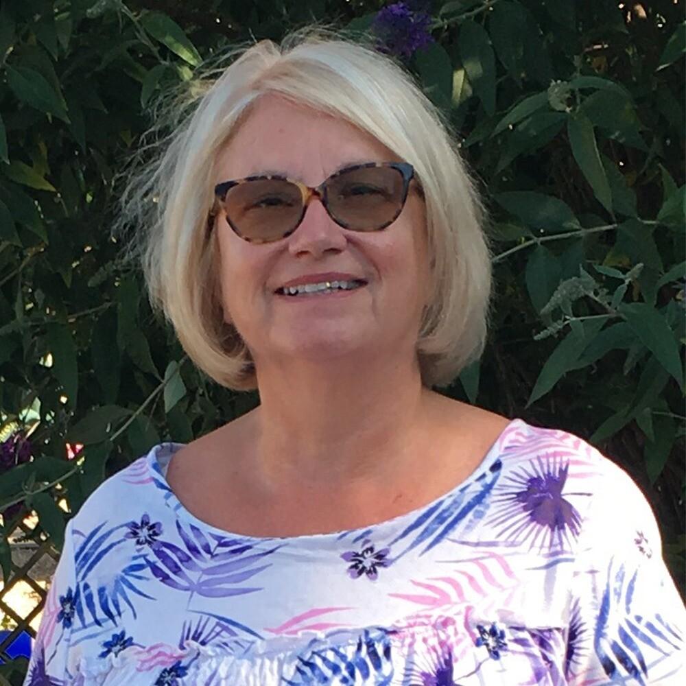Liz Macwhinney - Manager